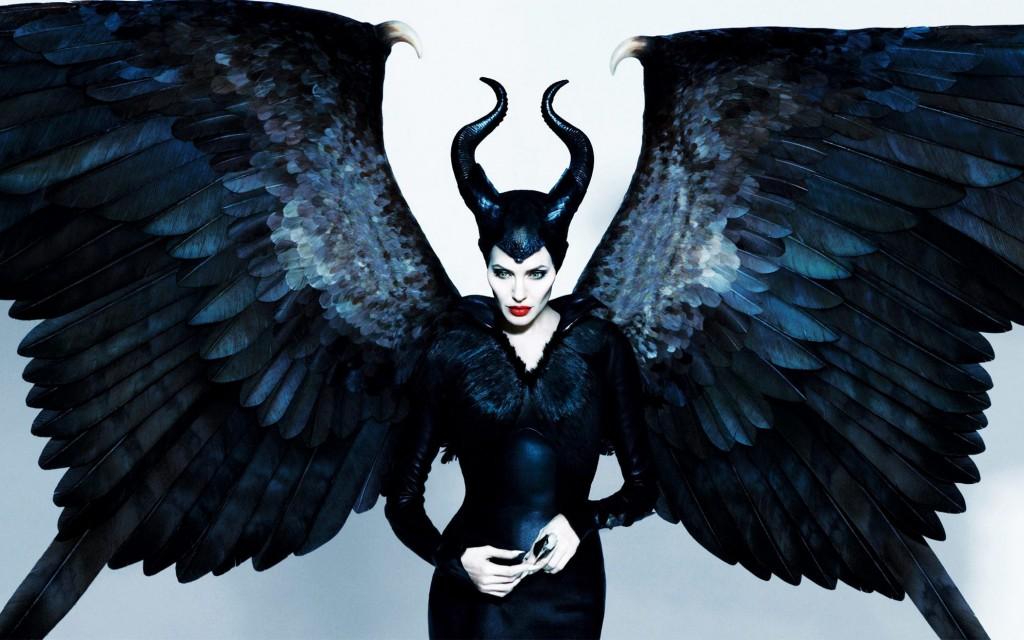 maleficent-movie-wallpaper-hd-angelina-jolie-maleficent-wallpaper1-1024x640